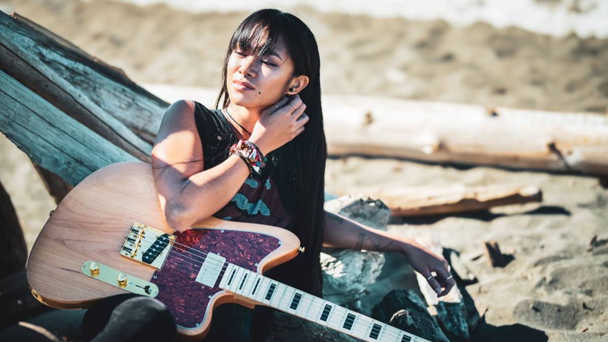 Filipina-Canadian artist Dey Rose releases new EP 'Panting Heart'