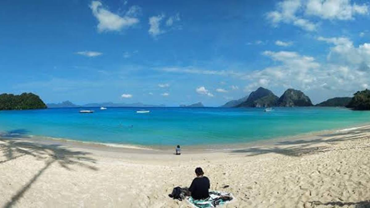 Experience Paradise at Vanilla Beach in El Nido