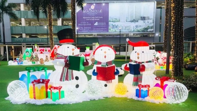 Feel The Holiday Breeze at Robinsons Malls