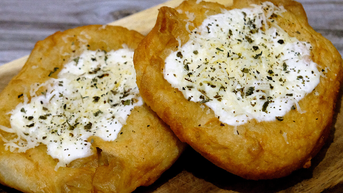 Eat Of The Week: Cheesy Fried Bread Perfect for All-Day Snacking