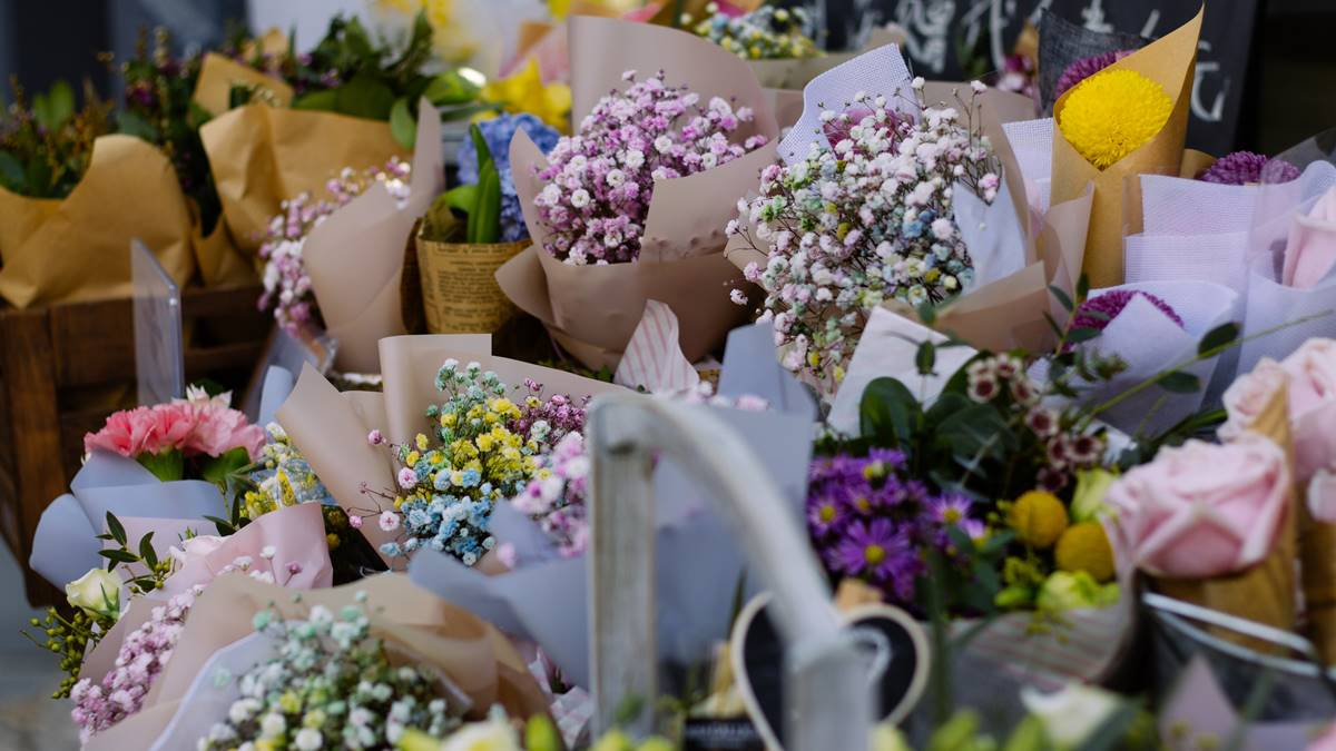 Farmers Garden Guide: Where To Buy Flowers For Your Dearly Departed