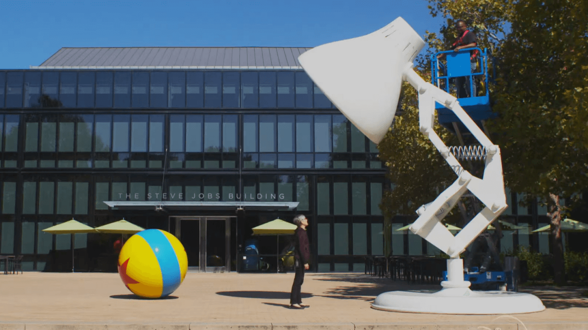 Read more about the article WATCH: Disney Gives Us a Peek 'Inside Pixar' in Upcoming Series