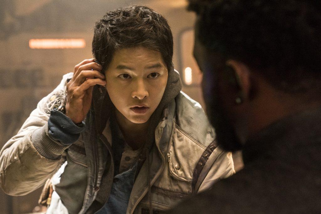 Song Joon Ki as Tae Ho in Space Sweepers