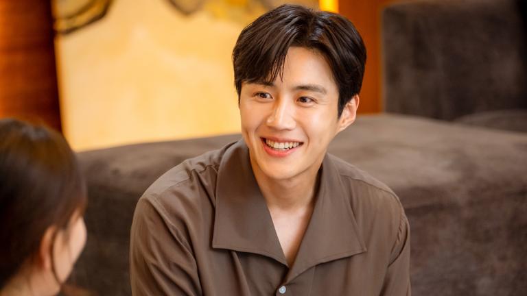 Kim Seon Ho as Han Ji Pyeong