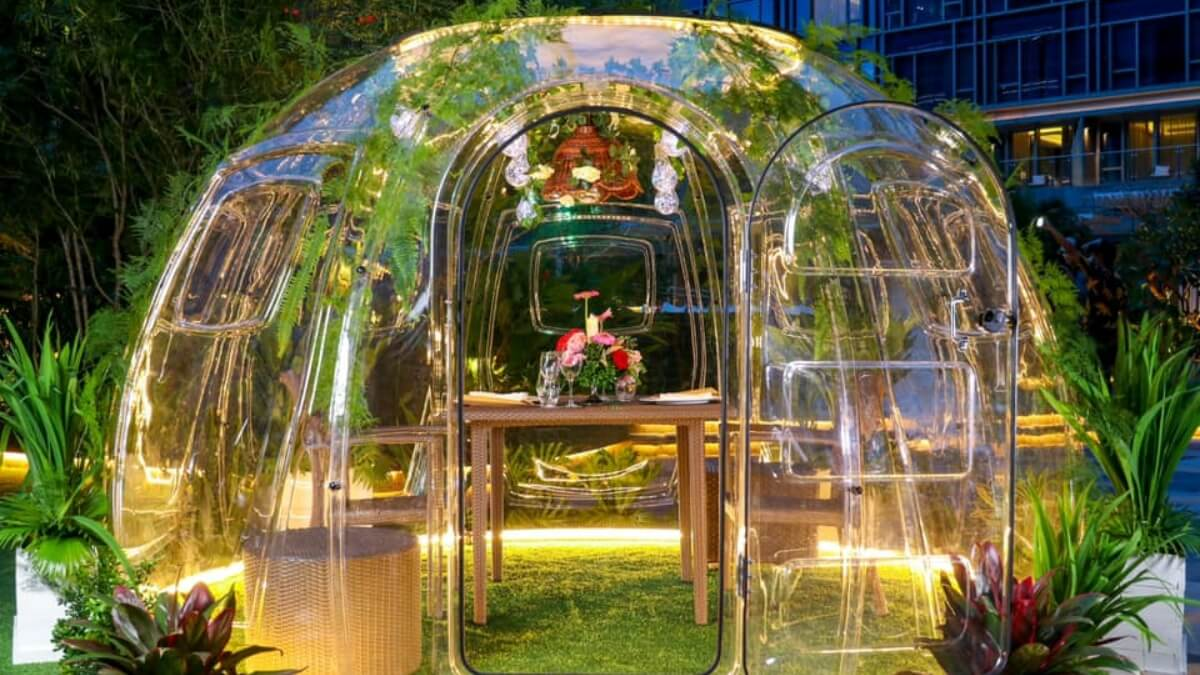 LOOK: A Unique Dinner Date Awaits at These Outdoor Vubble Pods
