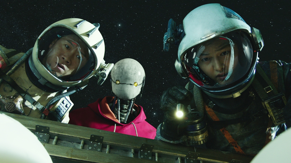 Song Joong Ki and Kim Tae Ri Go On an Epic Space Adventure in 'Space Sweepers'