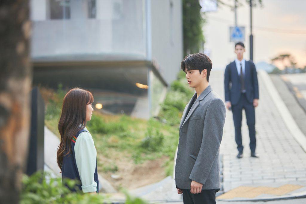 Kim So Hyun, Song Kang, and Jung Ga Ram as Kim Jojo, Hwang Sun Oh, and Lee Hye Yeong in Love Alarm 2
