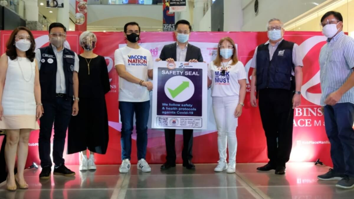 Robinsons Malls is Now a 'Safety Seal' Holder