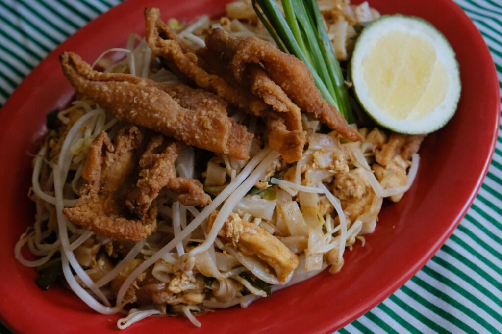 Pad Thai Gai / Chicken Pad Thai (P320/solo) by The Pad