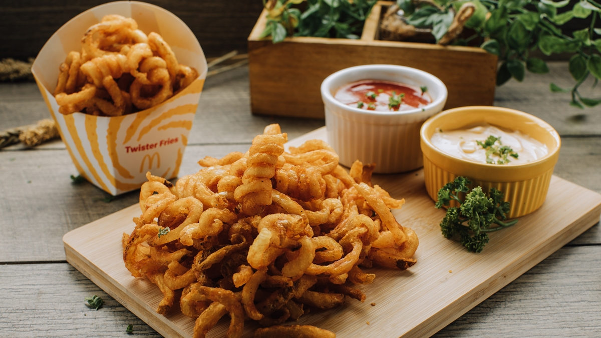 Read more about the article McDonald's Famous Twister Fries Returns to PH Stores This September 15